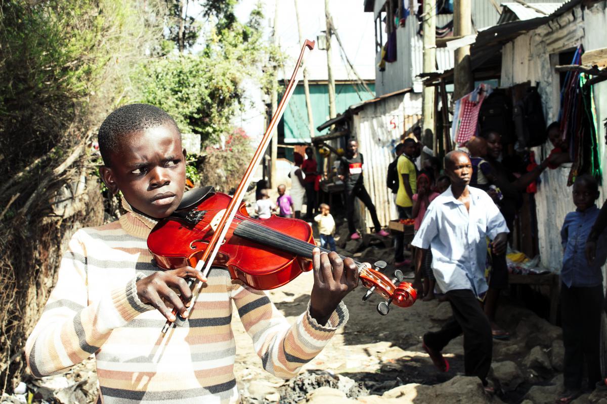 Kind mit Instrument 2_Talente©Metafilm_Jasmin Baumgartner